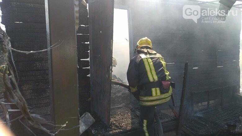 В Струнино сгорел дачный домик, фото-2
